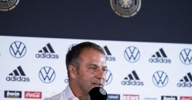 Bundestrainer Hansi Flick setzt in der Nationalmannschaft auch auf die Ü-30-Fraktion. Foto: Thomas Boecker/DFB/dpa
