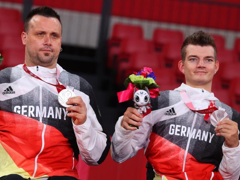 Holten Silber im Para-Tischtennis: Thomas Brüchle (l) und Thomas Schmidberger. Foto: Karl-Josef Hildenbrand/dpa