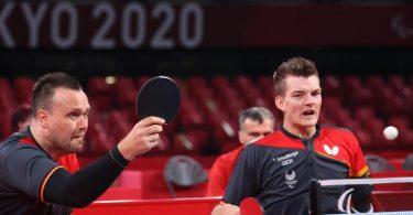 Thomas Schmidberger (r) und Thomas Brüchle waren trotz der Silbermedaille enttäuscht. Foto: Karl-Josef Hildenbrand/dpa
