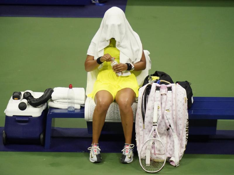 Naomi Osaka kann das Elend nicht mehr mit ansehen. Foto: Frank Franklin II/AP/dpa