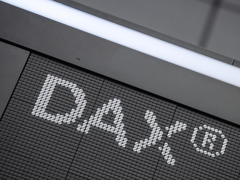 Historische Dax-Reform: Zehn Unternehmen rücken auf. Foto: Boris Roessler/dpa