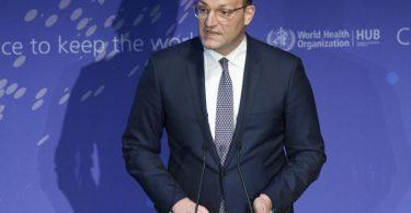 Bundesgesundheitsminister Jens Spahn ruft dazu auf, Impfangebote anzunehmen. Foto: Michael Sohn/POOL AP/dpa