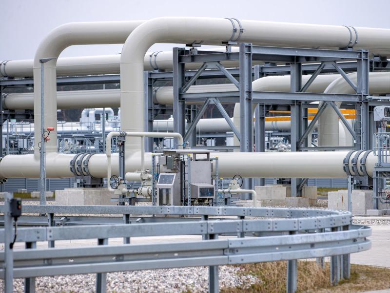 Rohrsysteme und Absperrvorrichtungen in der Gasanlandestation der Nord Stream 2. Foto: Jens Büttner/dpa-Zentralbild/dpa