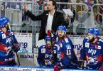 Trainer Pavel Gross ist mit den Adler Mannheim ein heißer Meisterschaftsfavorit. Foto: Uwe Anspach/dpa