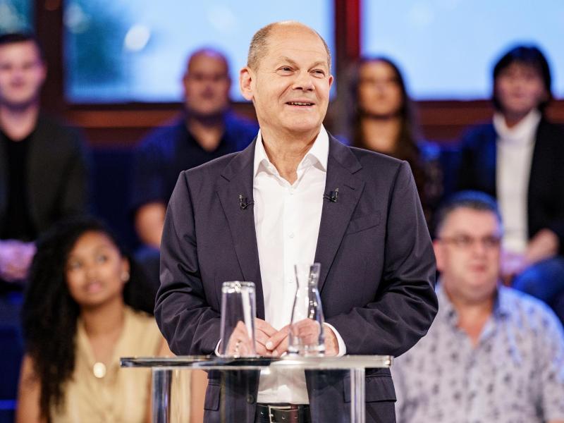 Olaf Scholz schloss in der ARD-Wahlarena ein Bündnis mit der Linkspartei abermals nicht definitiv aus. Foto: Axel Heimken/dpa