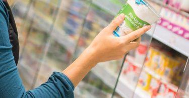 Was steckt drin? Viele bevorzugen Lebensmittel ohne Zusatzstoffe. Foto: Benjamin Nolte/dpa-tmn