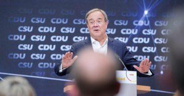NRW-Ministerpräsident Armin Laschet bei einer Veranstaltung für Digitalimpulse in Berlin. Foto: Kay Nietfeld/dpa