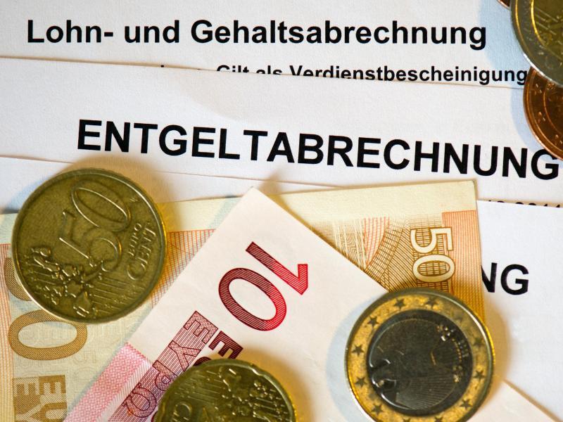 Mehr als die Hälfte der Deutschen hat Angst vor höheren Steuern oder Leistungskürzungen wegen Corona. Foto: Arno Burgi/dpa-Zentralbild/dpa
