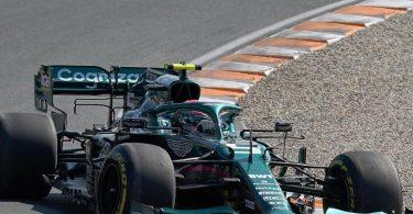 Noch keine Lizenz zum Siegen: Sebastian Vettel vom Team Aston Martin in Aktion. Foto: Hasan Bratic/dpa