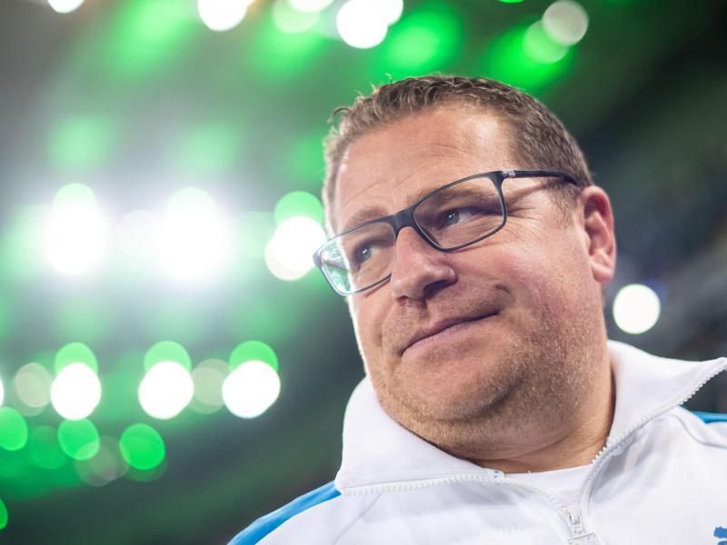 Gladbachs Sportdirektor Max Eberl hält eine WM alle zwei Jahre für «Schwachsinn». Foto: Marius Becker/dpa
