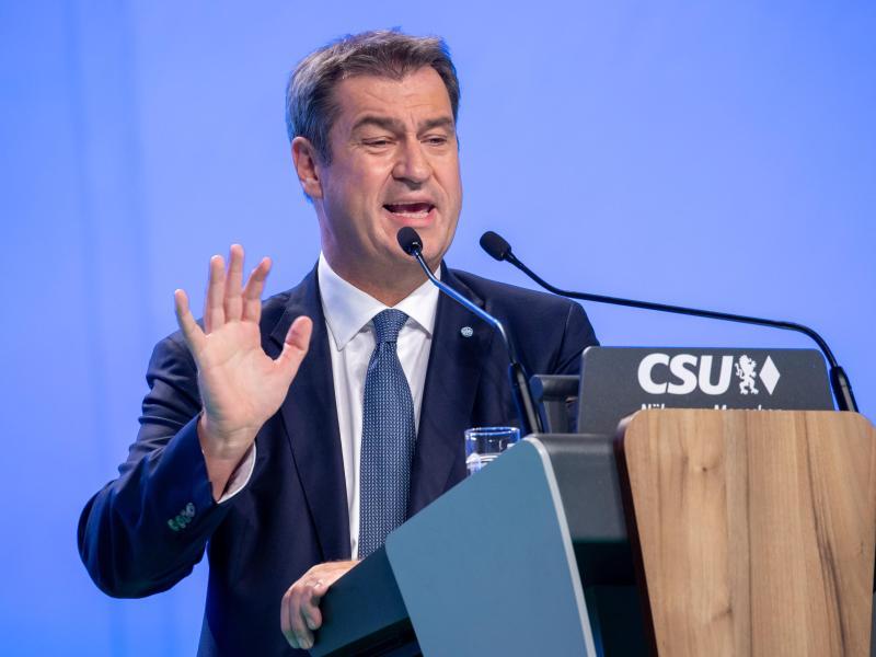 Markus Söder, CSU-Parteivorsitzender und Ministerpräsident von Bayern, spricht auf dem Parteitag in Nürnberg. Foto: Daniel Karmann/dpa