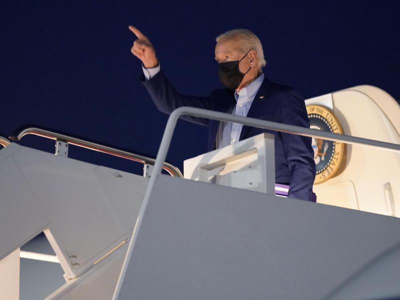 Auf nach New York - US-Präsident Joe Biden wird zum 20. Jahrestag der Terroranschläge vom 11. September 2001 drei Gedenkfeierlichkeiten besuchen. Foto: Evan Vucci/AP/dpa