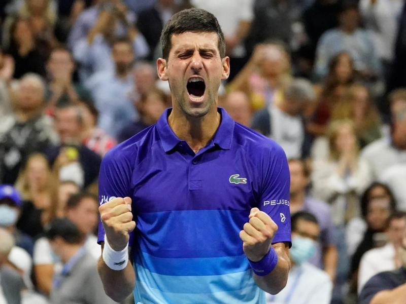 Novak Djokovic im Moment seines Sieges. Foto: Elise Amendola/AP/dpa