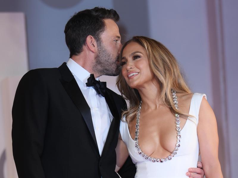 Das Hollywood-Traumpaar Jennifer Lopez und Ben Affleck ist zurück. Foto: Gian Mattia D'Alberto/LaPresse via ZUMA Press/dpa