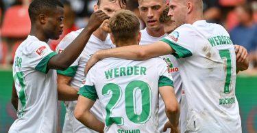 Absteiger Werder Bremen setzte sich souverän in Ingolstadt durch. Foto: Armin Weigel/dpa