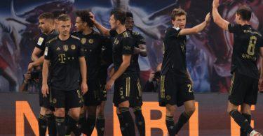 Die Bayern bejubeln das zwischenzeitliche 3:0 in Leipzig. Foto: Jan Woitas/dpa-Zentralbild/dpa