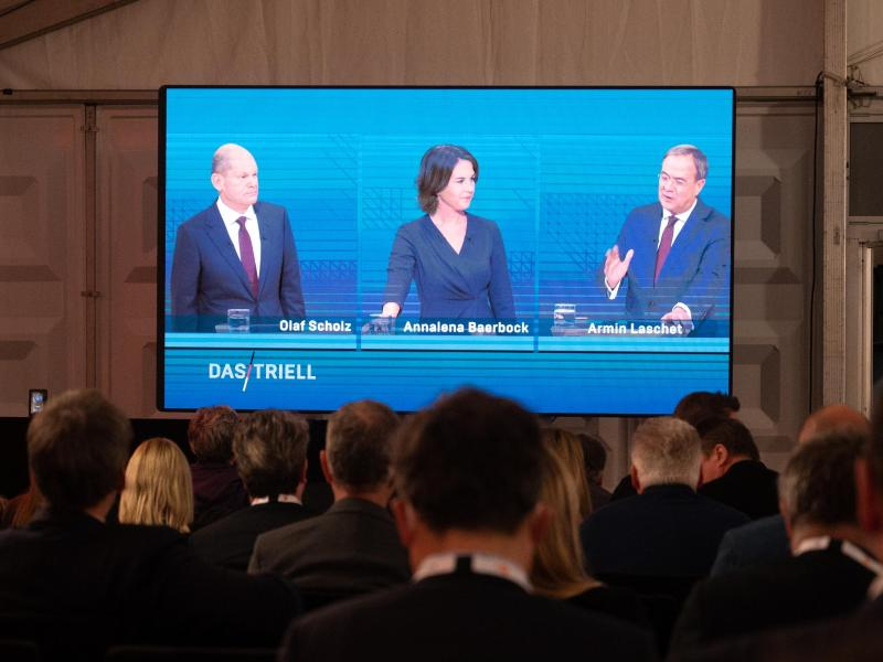 Olaf Scholz, Annalena Baerbock und Armin Laschet lieferten sich beim TV-Triell teilweise einen scharfen Schlagabtausch. Foto: Christophe Gateau/dpa