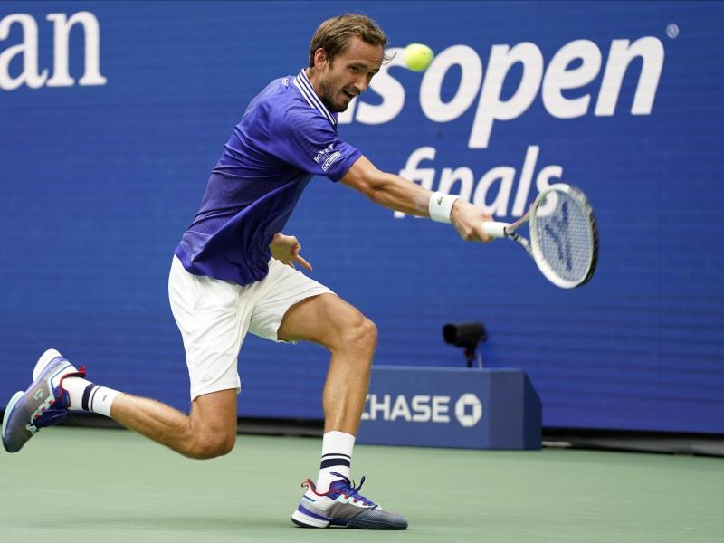 Daniil Medwedew in Aktion beim US-Open-Finale. Foto: John Minchillo/AP/dpa