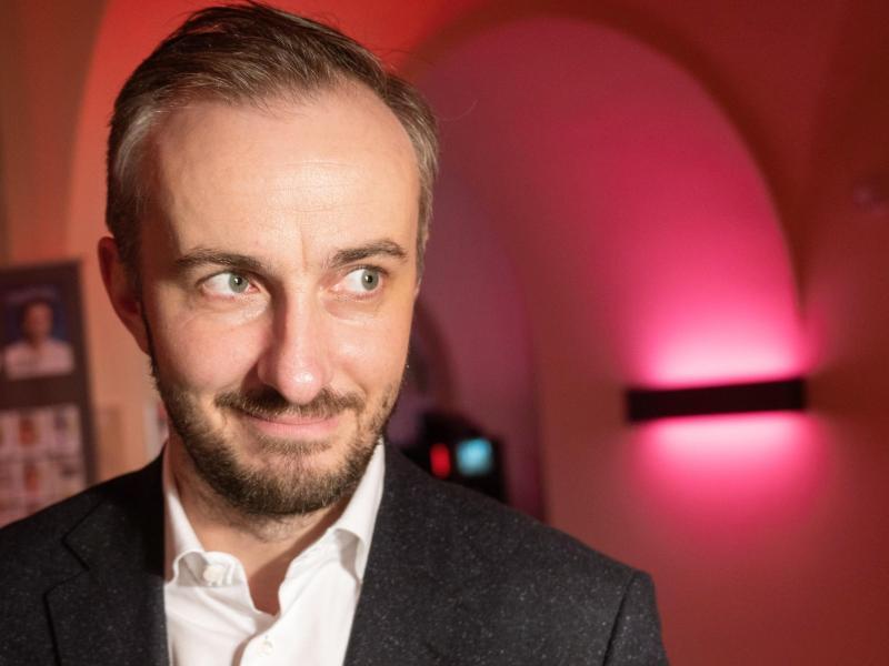 Jan Böhmermann gibt dem «ZDF Magazin Royale» Gesicht. Foto: Christophe Gateau/dpa