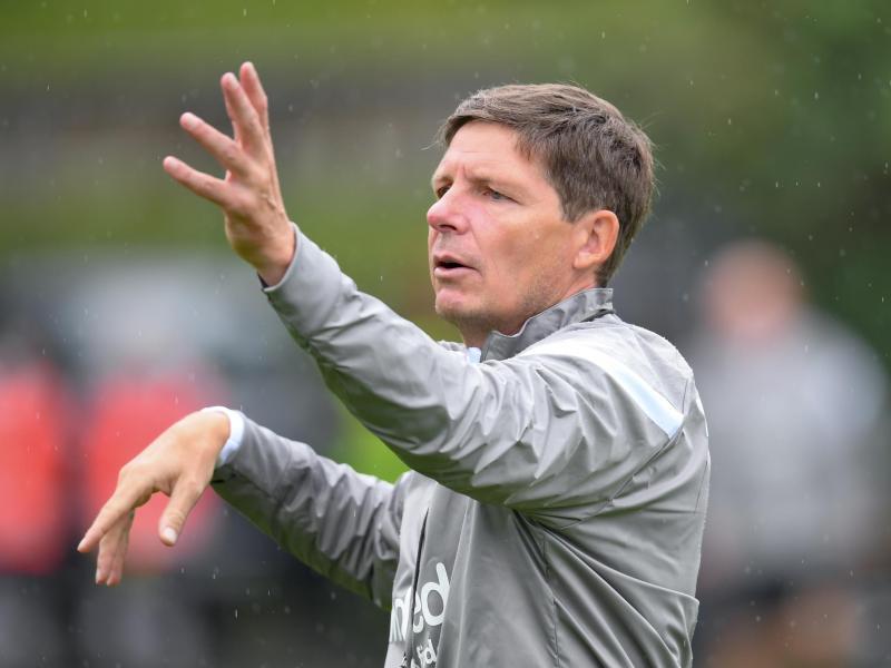 Muss Frankfurts Europa-Auftakt aus der Loge aus verfolgen: Eintracht-CoachOliver Glasner. Foto: Arne Dedert/dpa