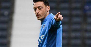 Gegen Eintracht Frankfurt in der Startelf von Fenerbahce Istanbul: Mesut Özil. Foto: Arne Dedert/dpa