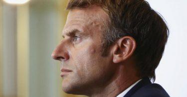 Frankreichs Präsident Emmanuel Macron will im Streit um einen geplatzten U-Boot-Verkauf mit US-Präsident Joe Biden reden. Foto: Sarah Meyssonnier/Reuters Pool/AP/dpa