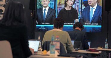 Eine Woche vor der Bundestagswahl stellen sich Scholz, Baerbock und Laschet einem dritten TV-Triell. Foto: Kay Nietfeld/dpa