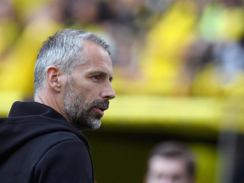 Dortmunds Trainer Marco Rose trift auf seinen alten Club. Foto: Bernd Thissen/dpa