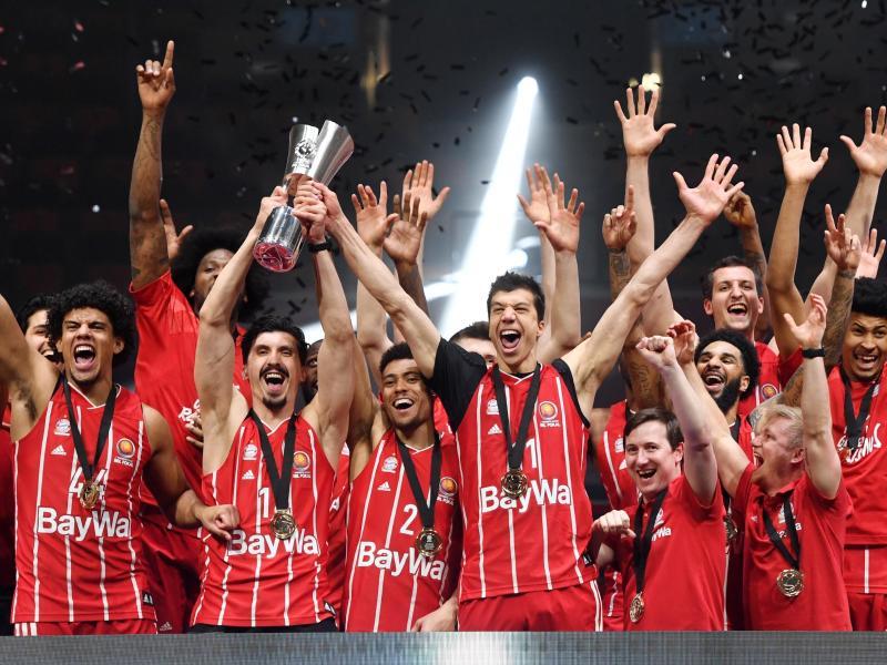 Topfavorit der Basketball-Trainer auf die Meisterschaft: Pokalsieger FC Bayern München. Foto: Tobias Hase/dpa