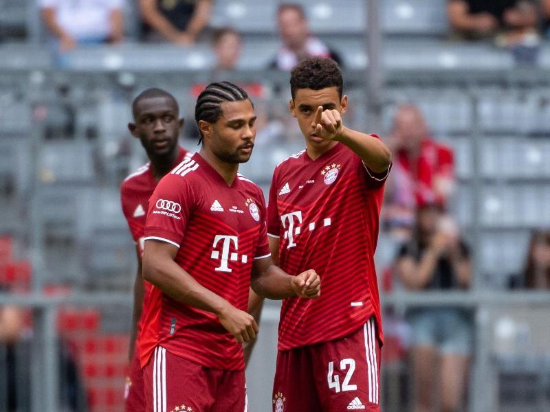 Haben wieder beim FC Bayern mittrainiert: Serge Gnabry (l) und Jamal Musiala. Foto: Sven Hoppe/dpa