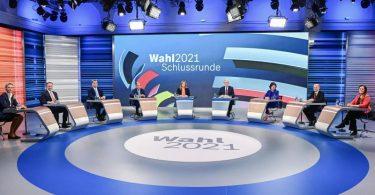 Alice Weidel (l-r), Christian Lindner, Markus Söder, Armin Laschet, Annalena Baerbock, Olaf Scholz und Janine Wissler. Foto: Tobias Schwarz/AFP-POOL/dpa
