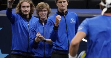 Spieler von Team Europa, (v.l.n.r.) Stefanos Tsitsipas, Andrey Rublev und Alexander Zverev. Foto: Elise Amendola/AP/dpa
