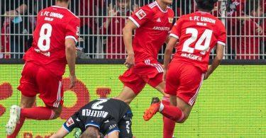 Unions Kevin Behrens (M) erzielte den späten Siegtreffer. Foto: Andreas Gora/dpa