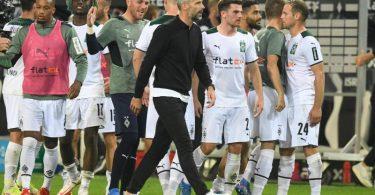 Dortmund-Trainer Marco Rose (M) ging bei seiner Rückkehr nach Mönchengladbach als Verlierer vom Platz. Foto: Bernd Thissen/dpa