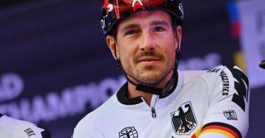 John Degenkolb (r) vor dem Start des WM-Rennens. Foto: Dirk Waem/BELGA/dpa