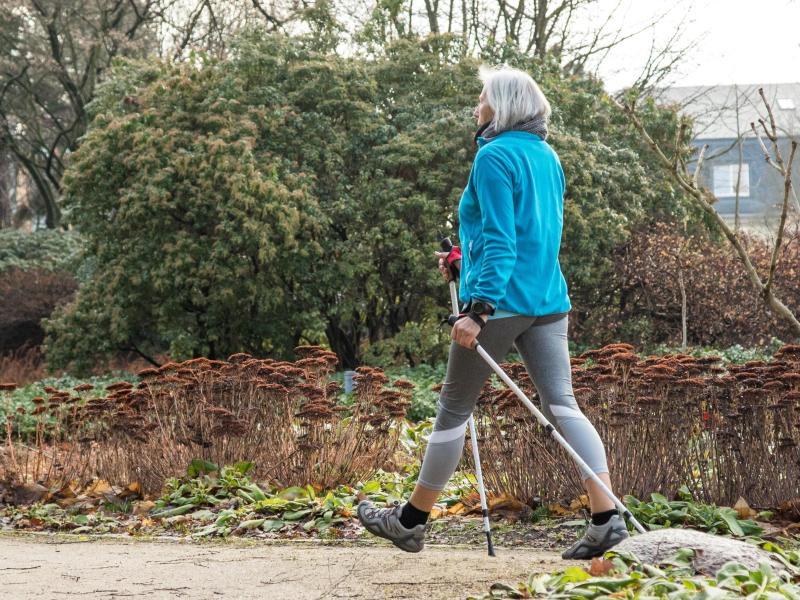 Auf geht's: Es nie zu spät, um Fitnessroutinen zu entwickeln. Foto: Christin Klose/dpa-tmn