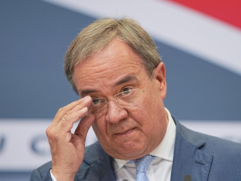 CDU-Kanzlerkandidat Armin Laschet bei einer Pressekonferenz nach Bekanntgabe der Wahlergebnisse. Foto: Michael Kappeler/dpa