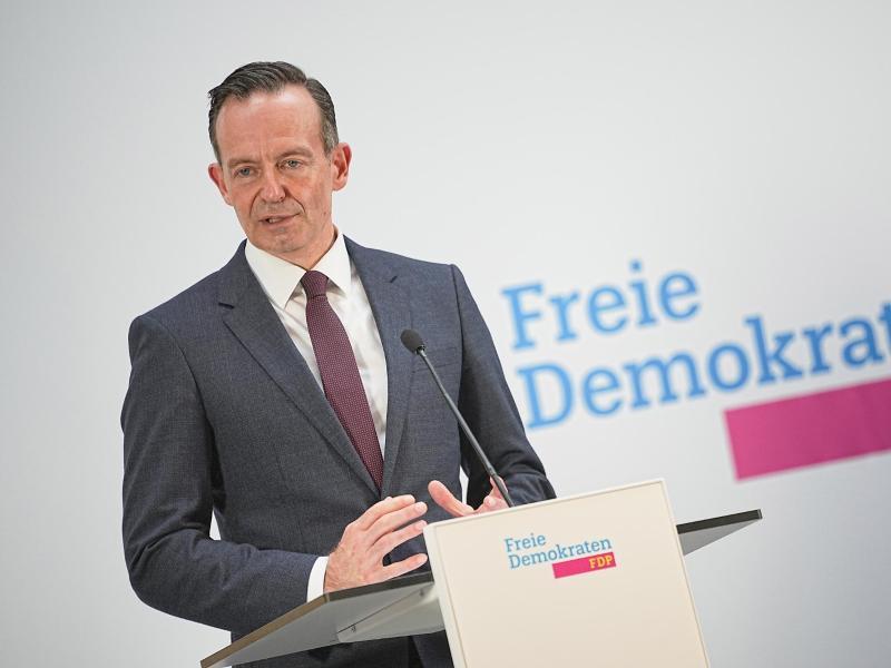 Volker Wissing, Generalsekretär der FDP, spricht bei einem Pressestatement. Foto: Michael Kappeler/dpa