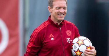 Bayern-Trainer Julian Nagelsmann hat sich für eine Startelf mit dem Abwehrtrio Niklas Süle, Dayot Upamecano und Lucas Hernández entschieden. Foto: Sven Hoppe/dpa