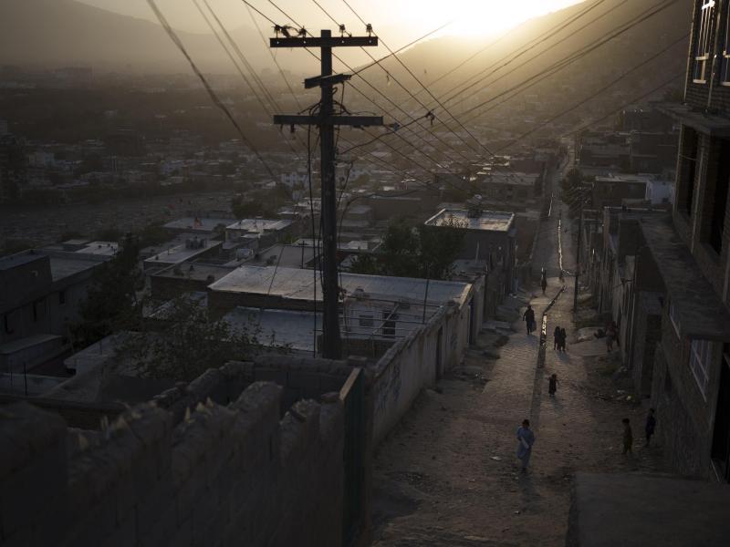 Bei einem Bombenanschlag in Kabul sind mehrere Menschen gestorben. Foto: Felipe Dana/AP/dpa/Archivbild
