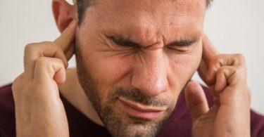 Stress beeinflusst das Hören zum Schlechten: Man nimmt viel mehr störende Geräusche war, die eigentlich im Kopf herausgefiltert würden. Foto: Christin Klose/dpa-tmn