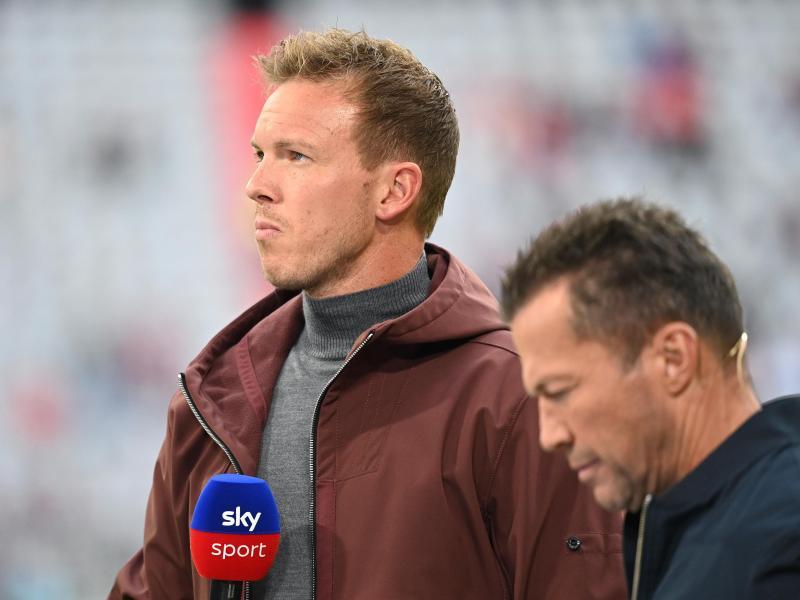 Bayern-Trainer Julian Nagelsmann (l) wird von Lothar Matthäus für eine Auswechslung kritisiert. Foto: Sven Hoppe/dpa
