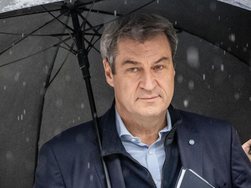 CSU-Chef Markus Söder trifft zu den Sondierungsgesprächen ein. Foto: Michael Kappeler/dpa