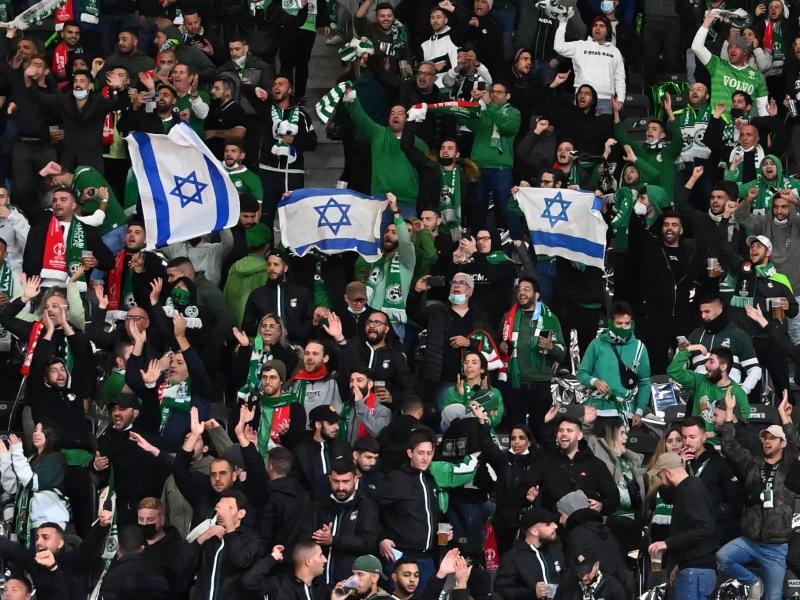 Union-Fans sollen israelische Fußball-Anhänger von Maccabi Haifa antisemitisch beleidigt haben. Foto: Matthias Koch/dpa
