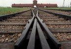 Neun hölzerne Baracken in der NS-Gedenkstätte Auschwitz-Birkenau sind mit Parolen auf Englisch und Deutsch besprüht worden. (Archivbild). Foto: Jens Kalaene/dpa-Zentralbild/dpa