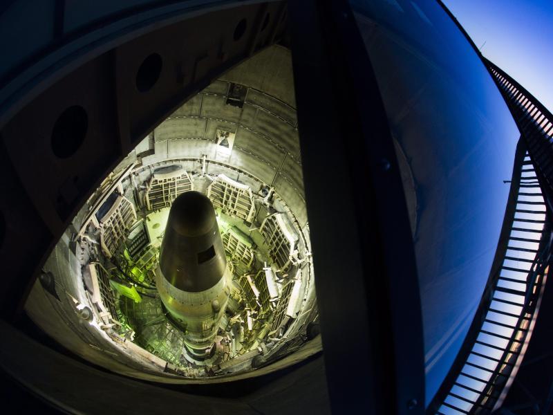 Eine Titan-II-Rakete der USA in einem Raketensilo in einem Museum in Sahuarita. Foto: Jim Lo Scalzo/epa/dpa