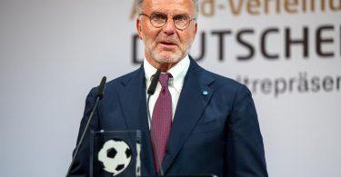 Karl-Heinz Rummenigge lobt den neuen Bundestrainer Hansi Flick. Foto: Monika Skolimowska/dpa-Zentralbild/dpa