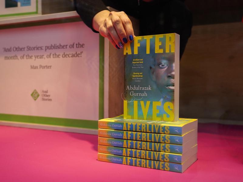 Ein Buchladen in London:Momentan ist kein Buch von Abdulrazak Gurnah auf Deutsch lieferbar. Foto: Alberto Pezzali/AP/dpa