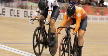 Lea Sophie Friedrich (l) unterlag im Sprint-Finale der Niederländerin Shanne Braspennincx. Foto: Peter Klaunzer/KEYSTONE/dpa