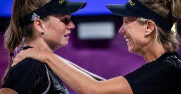 Konnten ihren Coup in Italien kaum fassen:Karla Borger (r) und Julia Sude. Foto: -/FIVB /dpa